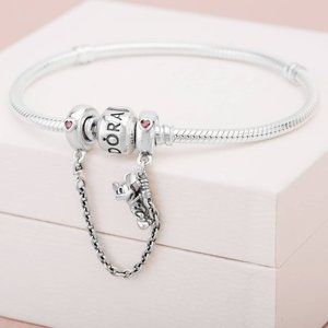Pandora Disney, Climbing Mickey Safety Chain, Red